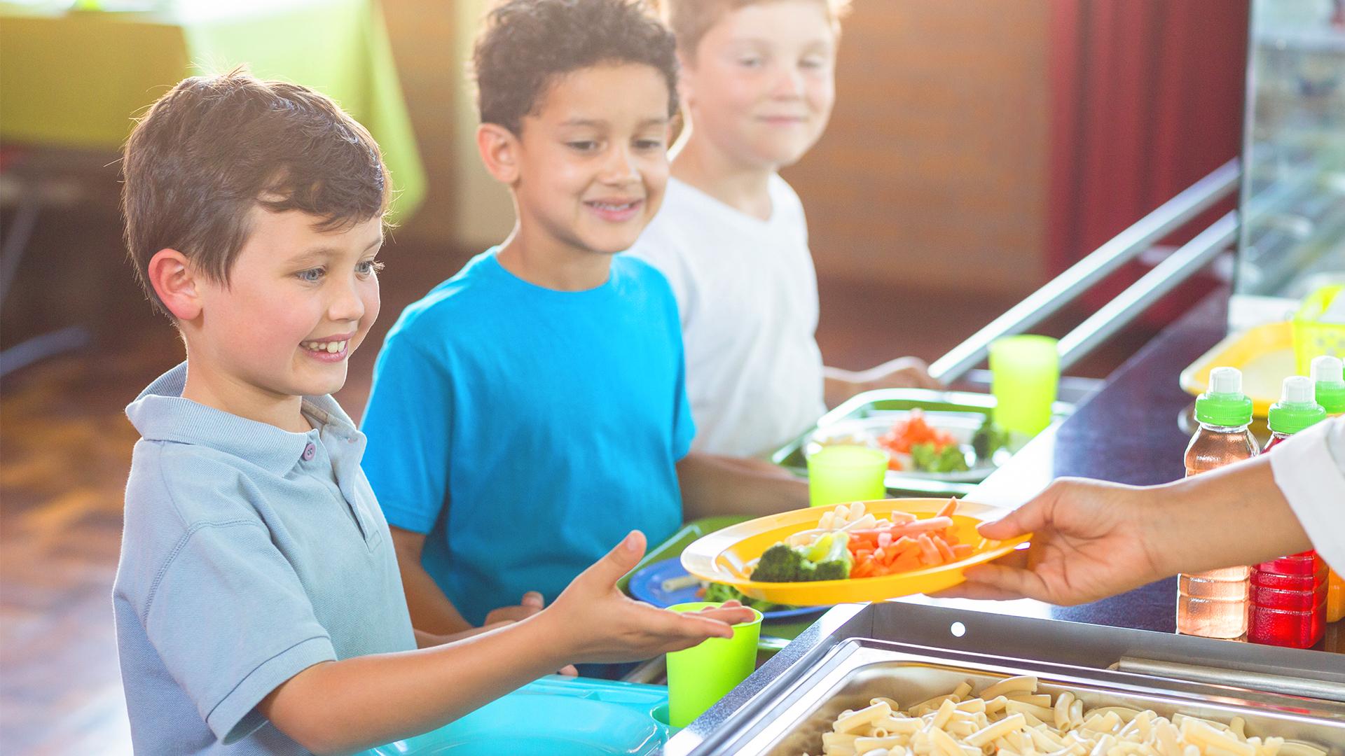 bambini-servizio-mensa